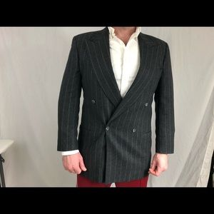 New without tags Giorgio Armani grey suit.